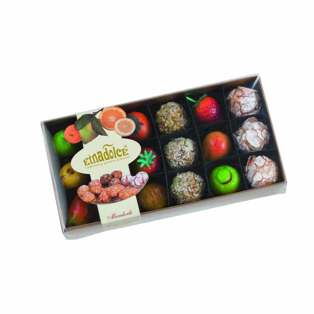 Mandorlè e frutti in scatola